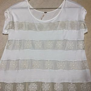 Free people white flowered tee - sz small